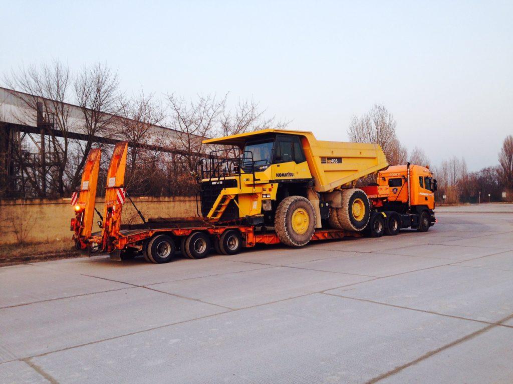 Güterkraftverkehr Tiefladertransporte 1